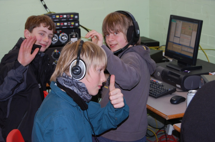 M0XXT CQ WPX 2009 (Amateur Radio Contest). M0XXT UK Scout Contest Team