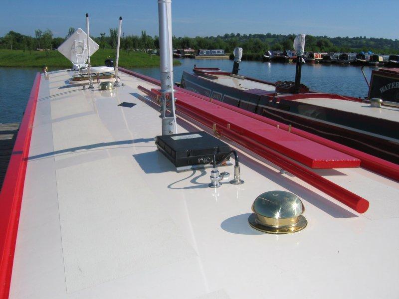 Cellular and WiFi marine antennas