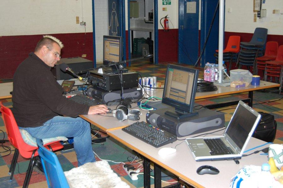 M0MCX running M0XXT CQWW 2008
