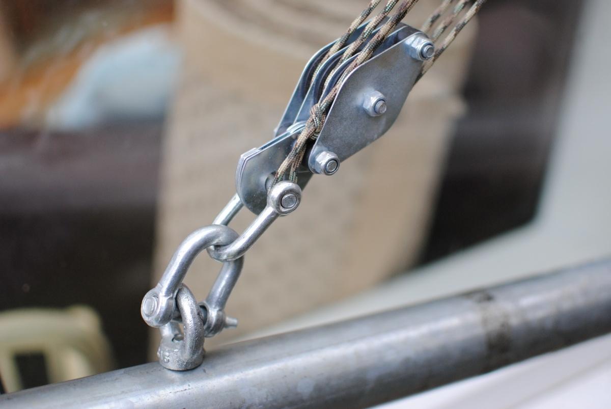 Raising Steel Antenna Mast On T Amp K Brackets With Pulley