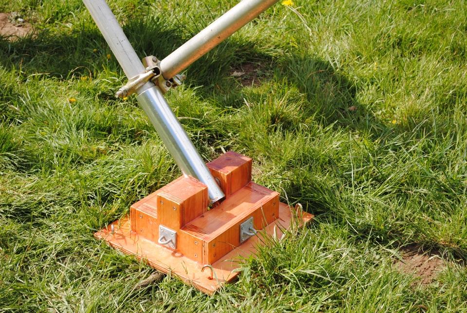 Portable Tilt-over tower foot